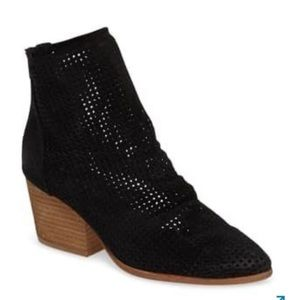 NEW Jeffrey Campbell Jenelle Perforated Boots 9